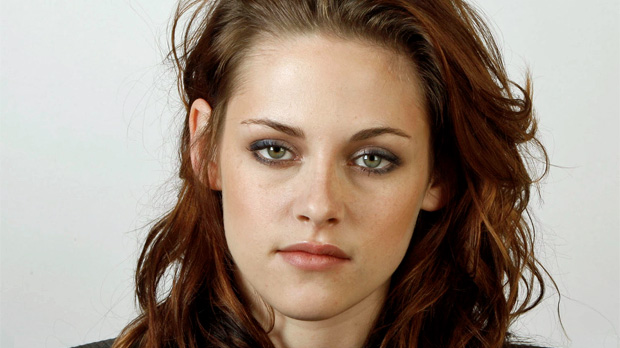 aon-kristenstewart-inside